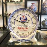 đồng hồ đĩa sứ để bàn in logo làm quà tặng